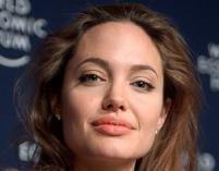 Angelina Jolie znowu u boku męża na planie filmowym