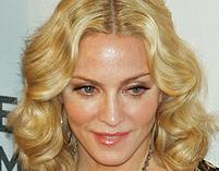 Madonna ubolewa nad samobójstwami