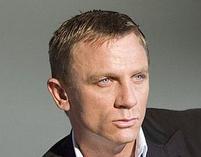 Daniel Craig w roli kobiety