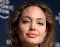 Angelina Jolie pomaga Libii