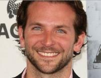 Bradley Cooper jest wzorowym synem