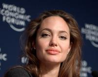 Noga Angeliny Jolie nie traci popularności