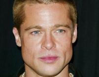 Brad Pitt zareklamuje kobiece perfumy