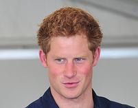 Książę Harry nagi na zdjęciach