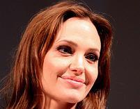 Angelina Jolie znów ratuje świat